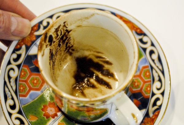 Le marc de café est utilisé comme support de voyance depuis fort longtemps