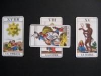 Tarot de Marseille : les tirages en croix
