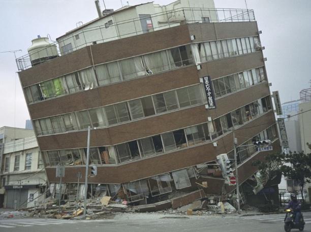 Après la destruction vient la reconstruction