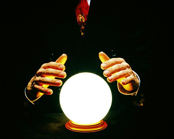 Peu à peu, internet remplace la boule de cristal