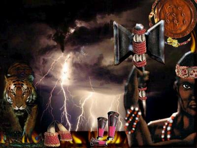 Dieu de la foudre et des éclairs avec la hache à deux tranchants