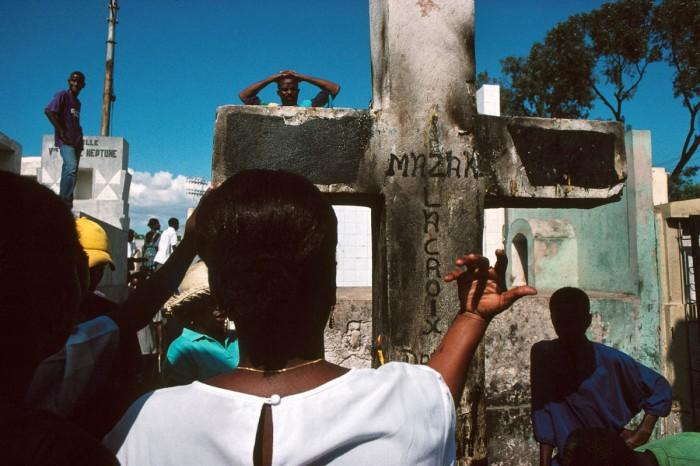 Le cimetière est un lieu d'invocation des Guédés